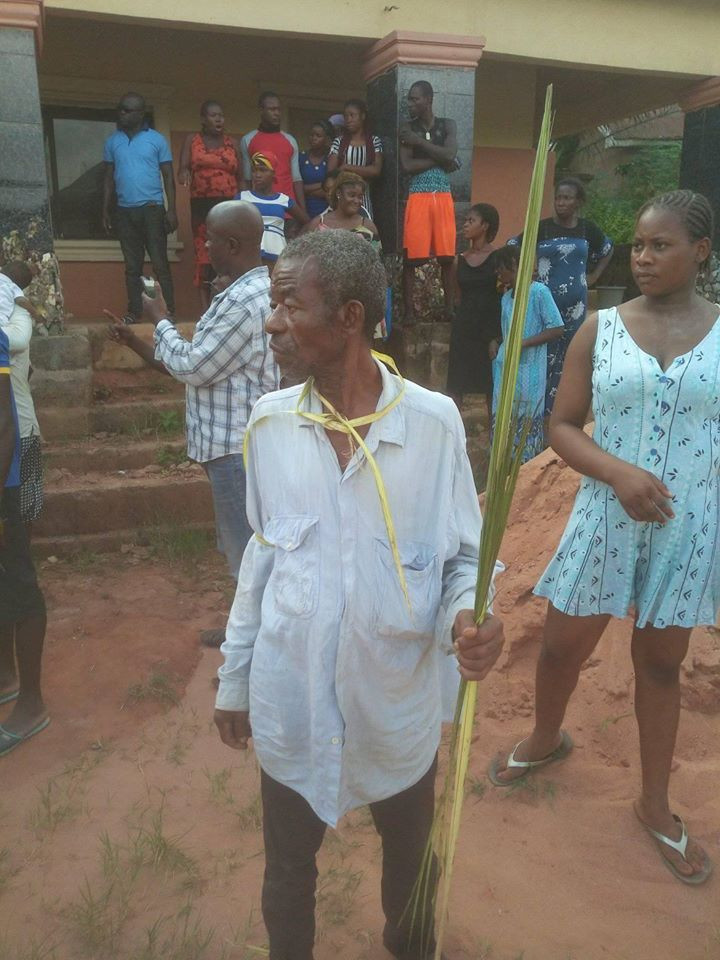 5def7c8c5b5b2 - Anambra Man Banished For Allegedly Impregnating His Daughter Twice (Photos)
