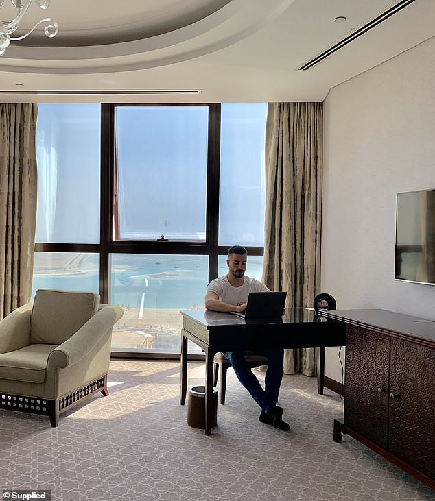 Australian millionaire wants to hire a personal photographer who will travel around the world with him just to take photos and earn $55k a year