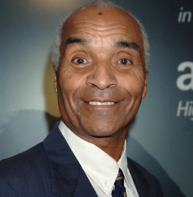 Kenny Lynch, British singer and actor, dies aged 81