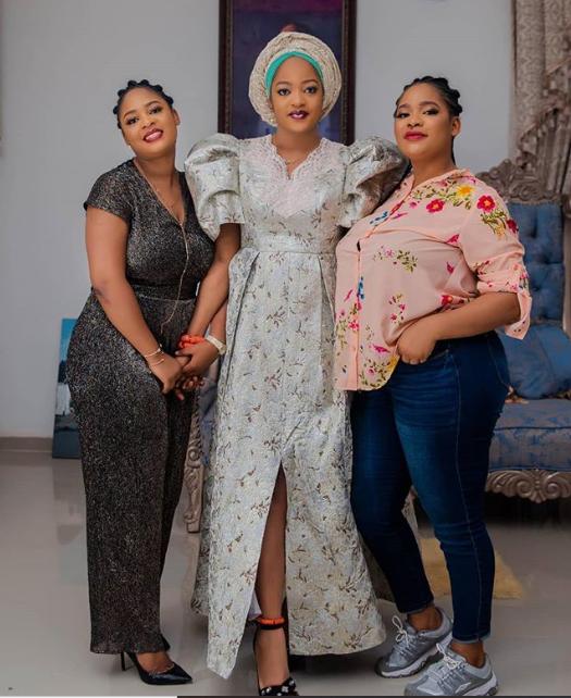 New photo of Olori Prophetess Naomi posing with her beautiful sisters
