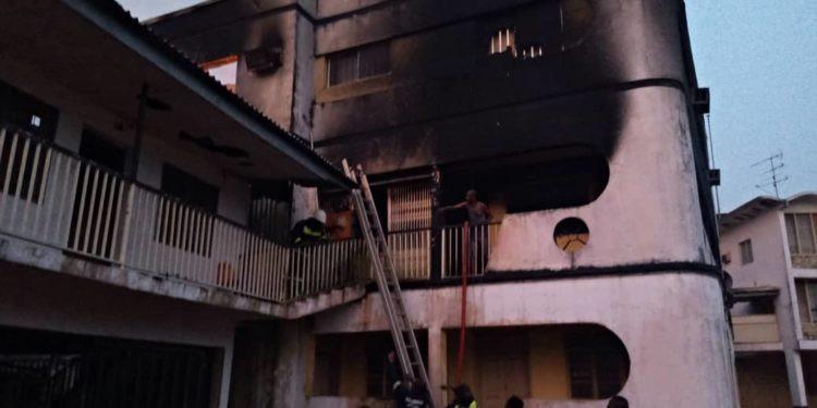 Fire razes 2-storey building in Anambra