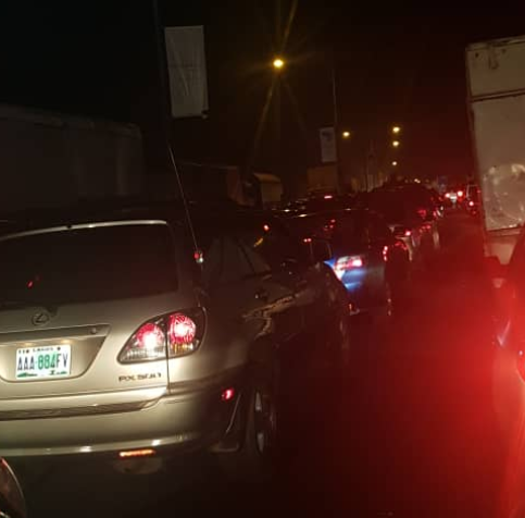 Lagosians cry for help after spending hours in traffic on Eko Bridge all week