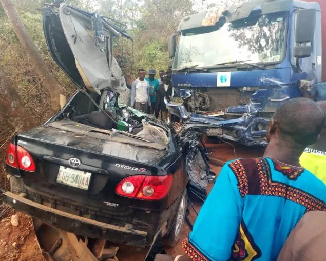 Three people dead, one?injured in truck accident on Lagos-Abeokuta Expressway