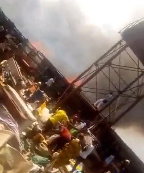 Fire razes Ekiosa market in Benin (video)