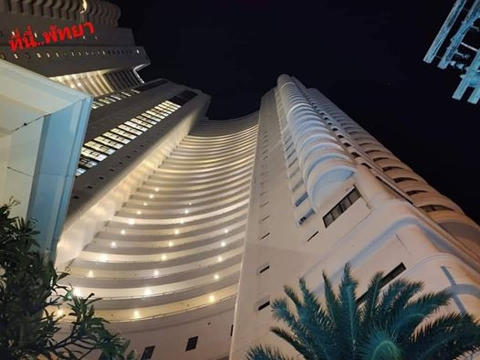 23-year-old woman jumps to her death from 22nd floor of hotel after her boyfriend chats up another woman at her birthday party (photos)