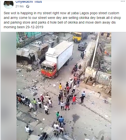 Joint team of Customs and Army officers allegedly break into shops in Yaba to allegedly confiscate okirika (video)