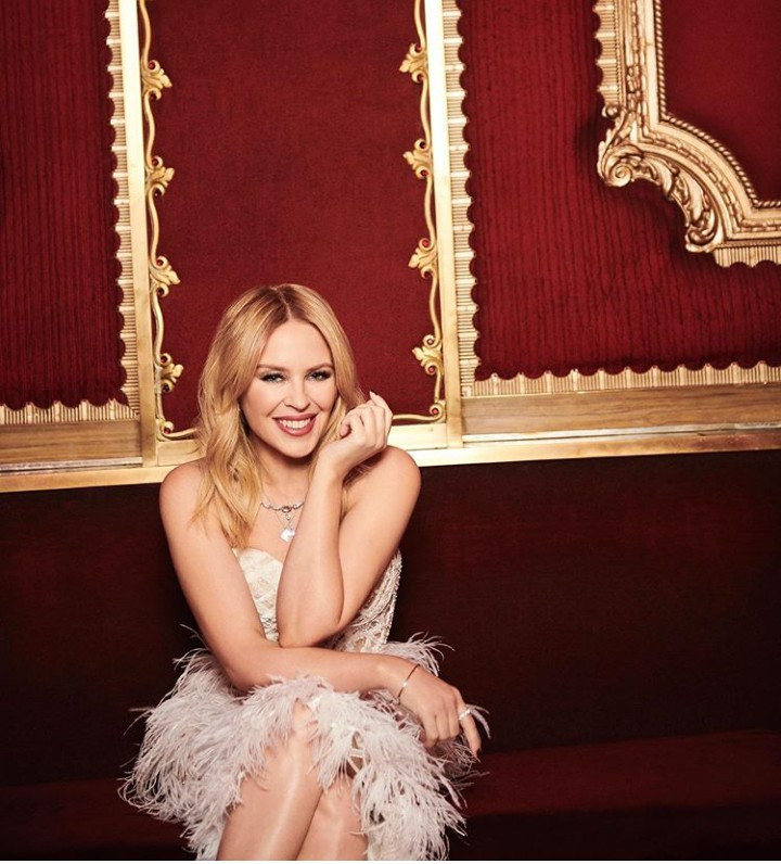 Kylie Minogue promises to donate $500,000 to help curb the Australia wildfires