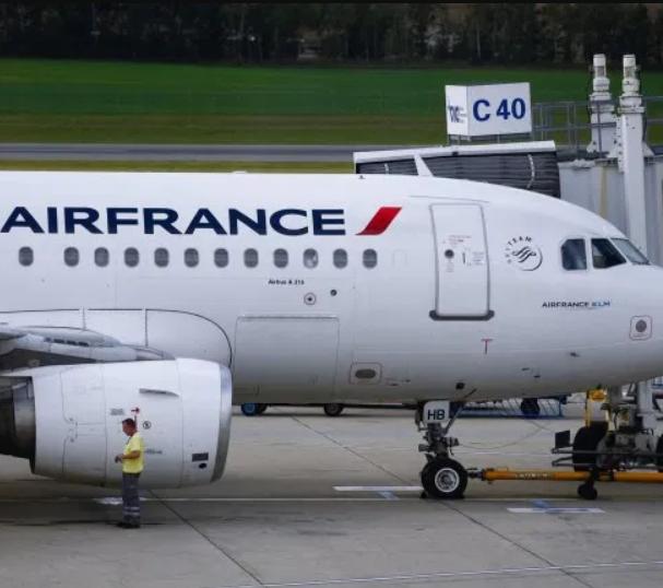 Lifeless body of a 10-year-old stowaway found in landing gear of plane in Paris