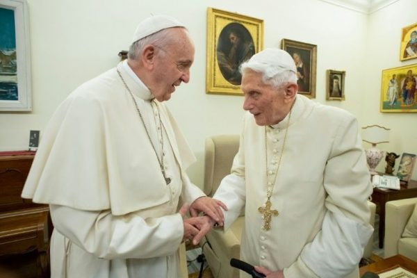 Don?t allow married men into priesthood - Pope Benedict tells Pope Francis