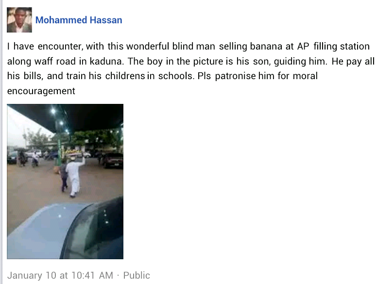 Photo of a visually impaired man who sells banana in Kaduna to pay bills and train his children in school