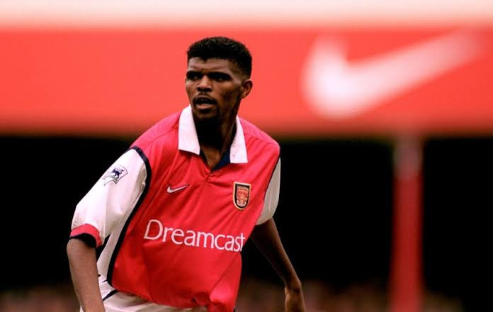 Arsenal celebrate Kanu Nwankwo