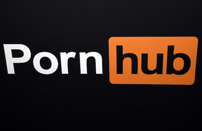 Deaf man sues PornHub for making porn hard for Deaf people to enjoy