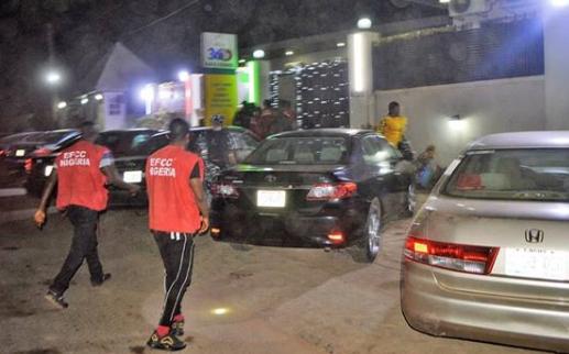 EFCC raids popular night club in Ibadan, arrests 89 suspected Yahoo boys