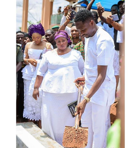 Ahmed Musa remembers his mum on the one year anniversary of her death