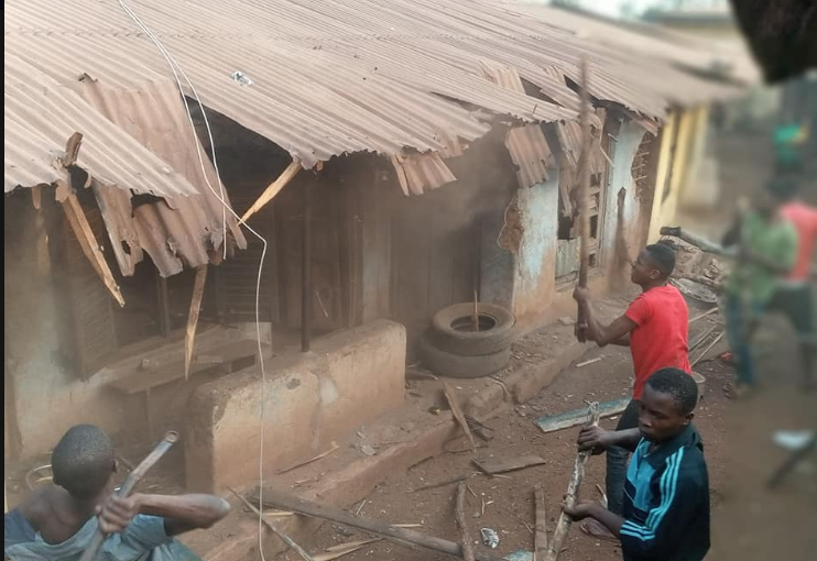 Residents of Abia community set a man ablaze for shooting his wife who built him a house and bought him a car (graphic photos)