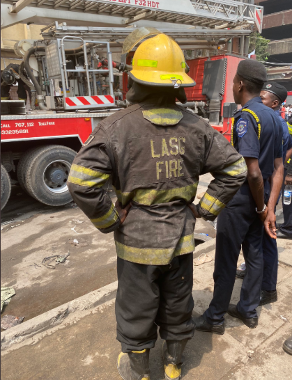 Update: Cause of fire outbreak at Balogun market revealed + more photos from the incident