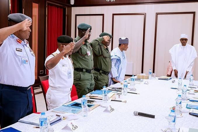 Buhari meets service chiefs in Abuja, after calls for their resignation