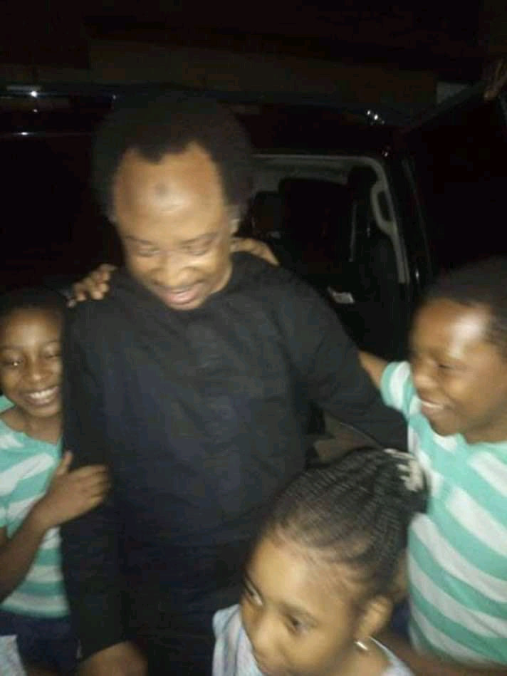Shehu Sani regains freedom after being detained by the EFCC for 4 weeks