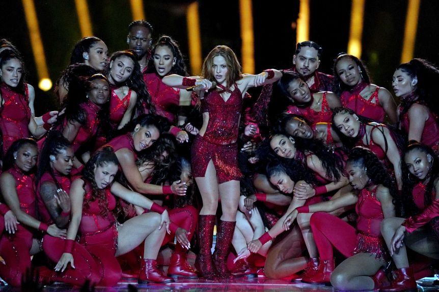 Jennifer Lopez and Shakira deliver epic Super Bowl halftime performance (photos/videos)