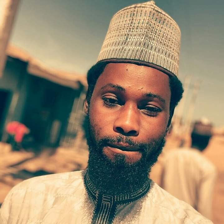 """""""They lock themselves inside metal tents and expect you to make the effort of jumping inside it to reach them"""" Muslim man takes a dig at Arewa women"""