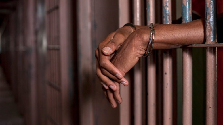 30-year-old bus conductor remanded in prison for raping 59-year-old woman