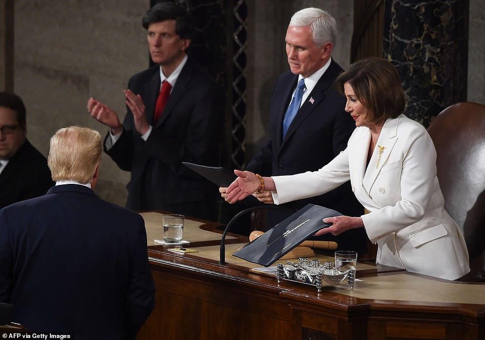 Trump snubs Pelosi
