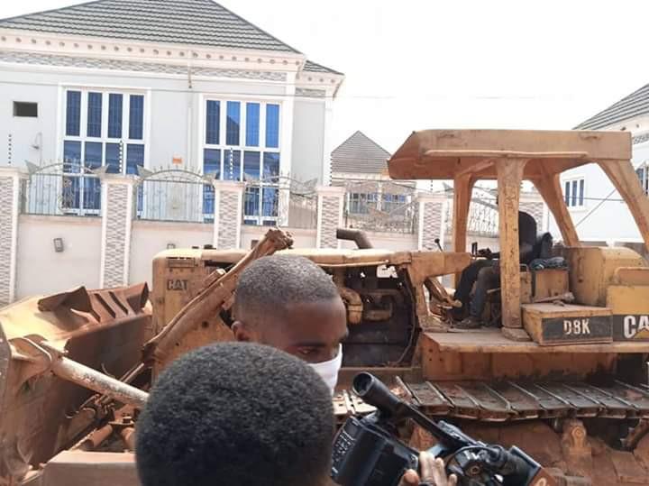 Edo State Government demolishes Kabaka?s multi-million naira hotel (photos)