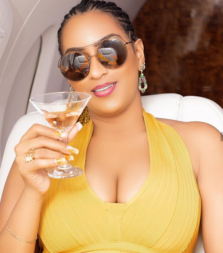 """Throwing shade? Juliet Ibrahim toasts to """"douchebags"""" and """"a**holes"""" after her ex Iceberg Slim said """"Na cheat I cheat, I no kill person"""""""