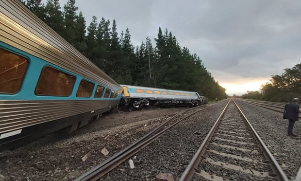 Two killed and several injured after train derails in Australia (photos/video)