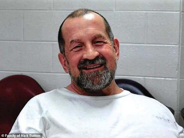 US murderer is executed by electric chair for killing a rapist inmate