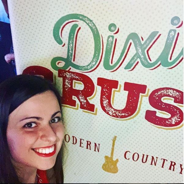 Dixie Crush country singer, Lindsey Lagestee dies at 25 after being struck by a car