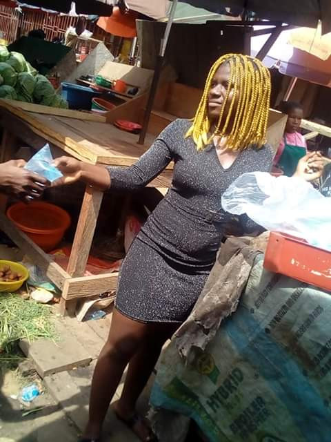 """I prefer doing this than sleeping with men for money""- 19-year-old Mass Commuication student who hawks satchet water in Owerri says (photos)"