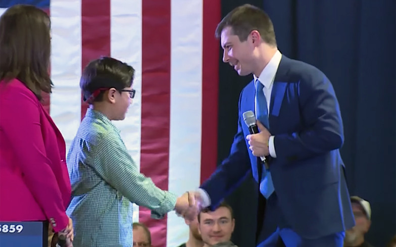 Gay US presidential candidate, Pete Buttigieg replies a 9-year-old boy who came to his rally asking for advice on how to come out as gay (video)