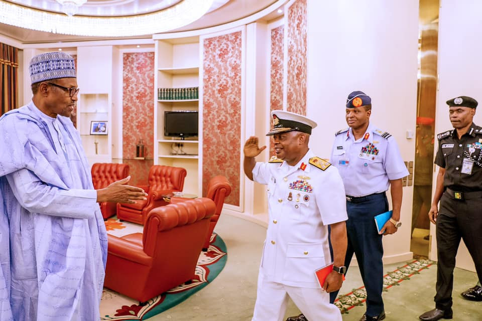 Photos: President Buhari meets with Service chiefs