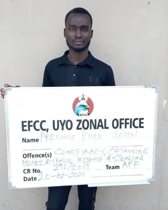 EFCC arrests bankers for allegedly stealing from the account of a deceased customer (photos)