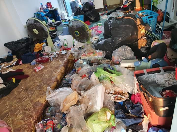 """WTH!... See the mess a landlady found in room she rented to two """"respectable"""" ladies (photos)"""