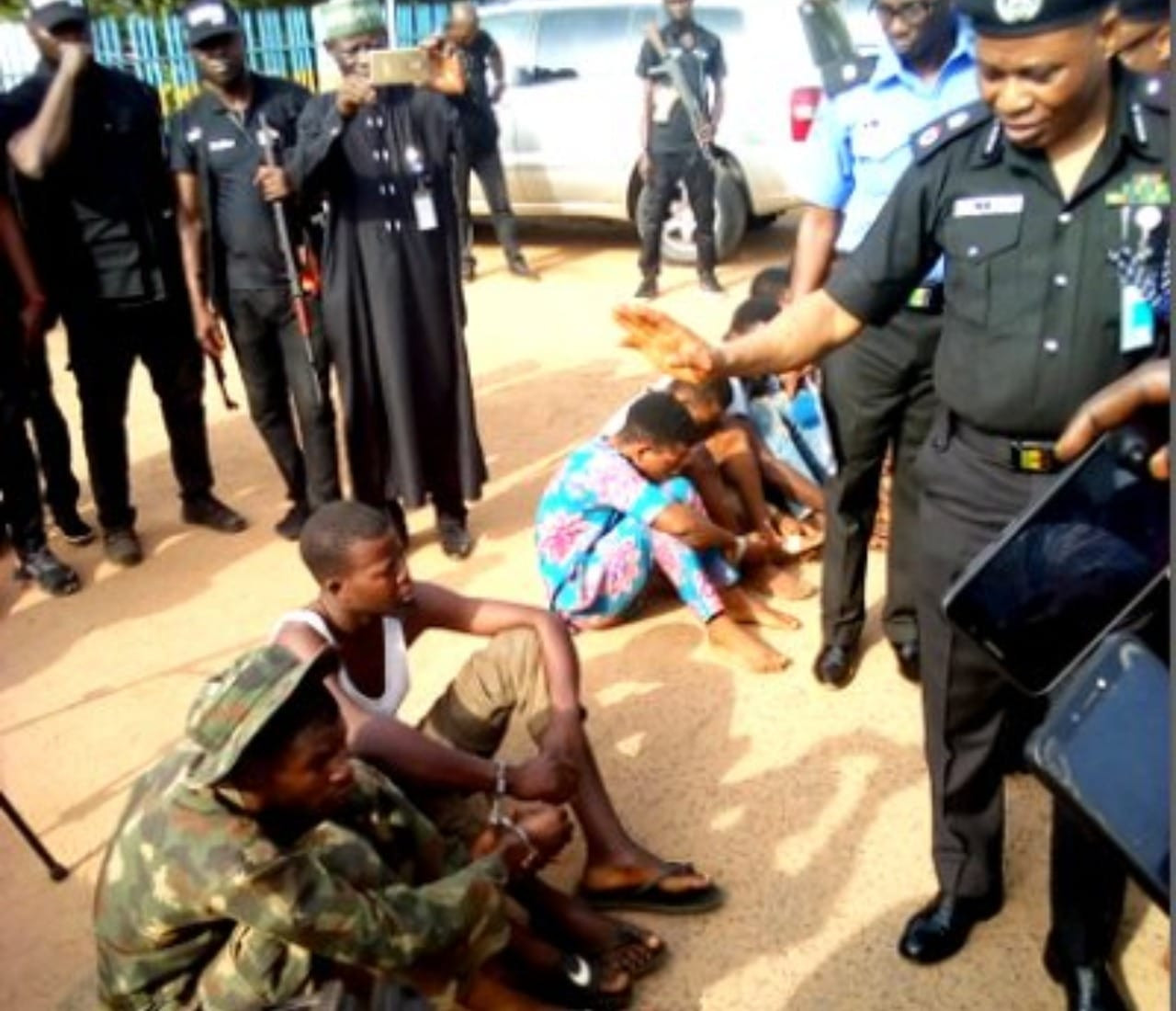 Fake soldier and police corporal arrested in Oyo State