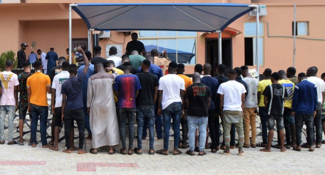 42 suspected internet fraudsters arrested in Ogun (photos)