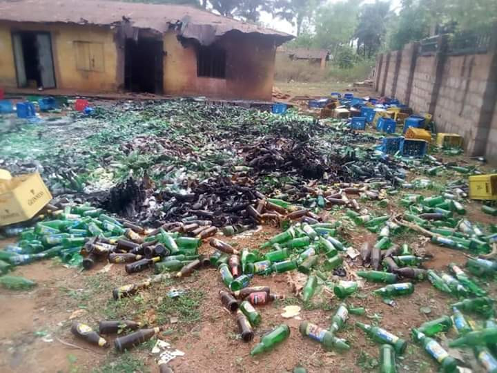 Vigilante group tortures 17-year-old boy to death in Kogi for allegedly stealing goods worth N200,000 (photos/graphic video)