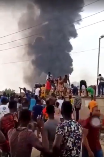 Videos of students being evacuated from their hostel after pipeline explosion at Abule Ado