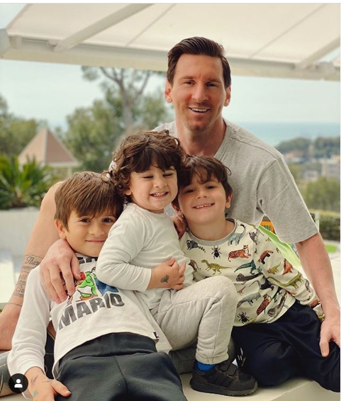 Adorable family photo of Lionel Messi and his three sons