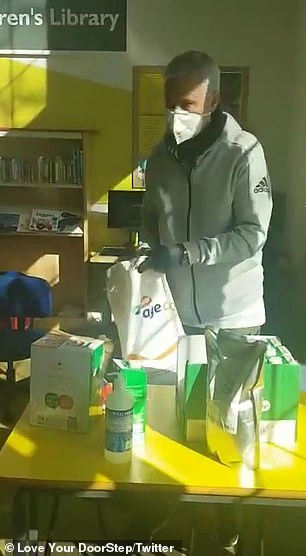 Coronavirus: Jose Mourinho lends a helping hand by delivering essential goods to the elderly in London (photos)