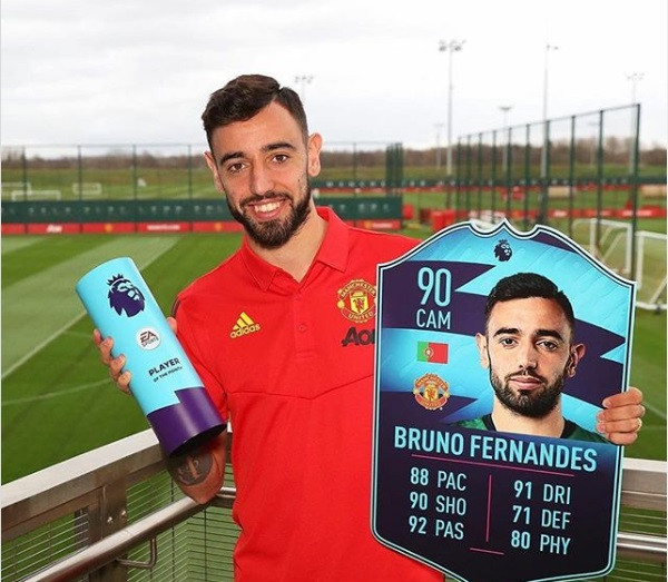 Manchester United star player Bruno Fernandes announces he is expecting a baby boy with his partner