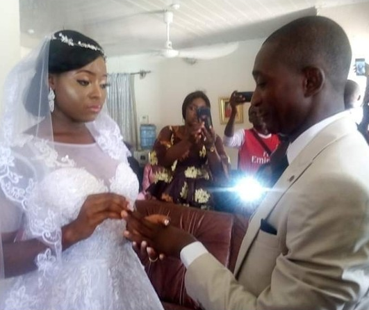 Coronavirus Lockdown: Taraba couple get married in their living room