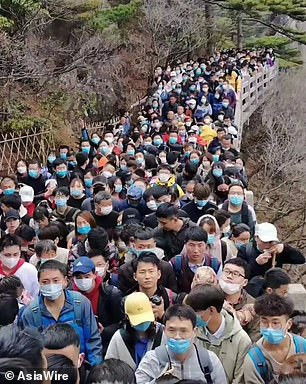 Chinese tourist sites packed as country comes out of Coroavirus lockdown for Qing Ming Festival (Photos/Video)