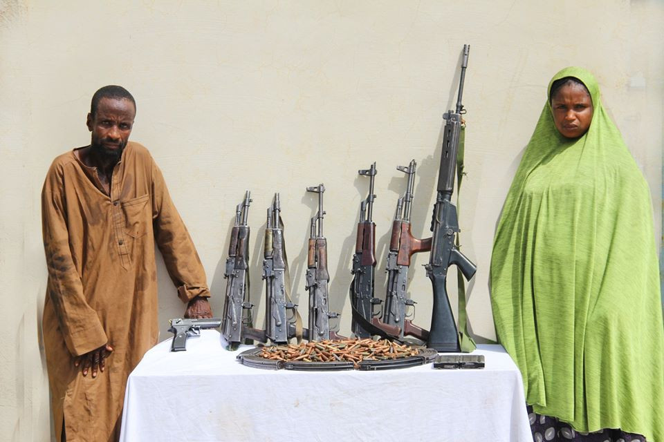 Police smash notorious car snatching syndicate, arrest female weapons keeper (photos)