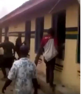 Moment Ohafia youths released prisoners before setting DPO