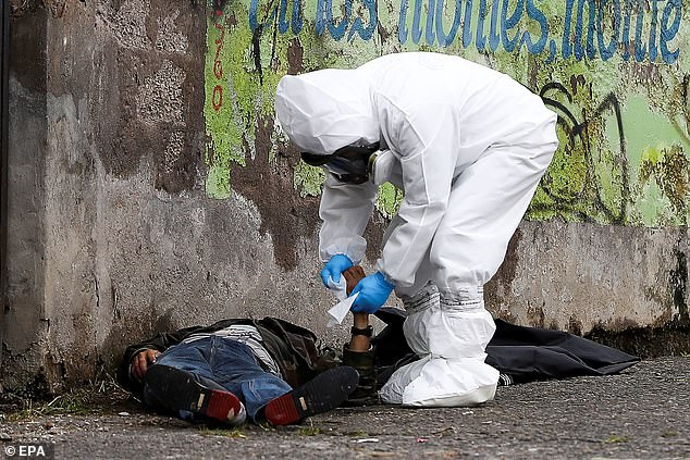 Bodies of COVID-19 victims lie in the streets of Ecuador as death toll across Latin America passes 15,000 (Photos)