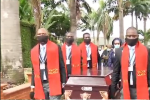 Photos and video from the burial ceremony of veteran Highlife musician, Victor Olaiya