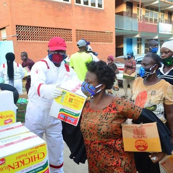Lagos-Based Serial Entrepreneur in Partnership with Patoranking Distributes Palliatives to Communities in Lagos